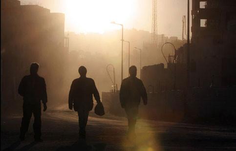 לאחר הפרסום: רשות האוכלוסין שילמה דמי מחלה ל-248 עובדים פלסטינים – סיקור הארץ ואיפה הכסף 103FM
