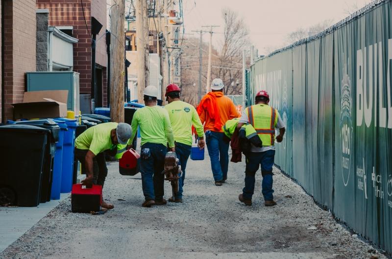 חשיפה: עובדי בניין מטורקיה בונים את מבנינו בתנאים מחפירים – כתבת מהדורת החדשות המרכזית