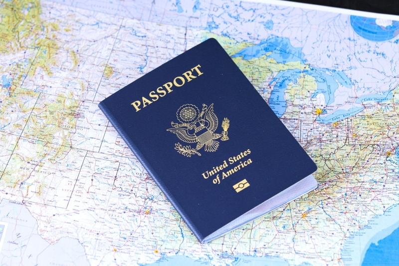 אין להחזיק דרכון של מהגר עבודה המועסק אצלכם