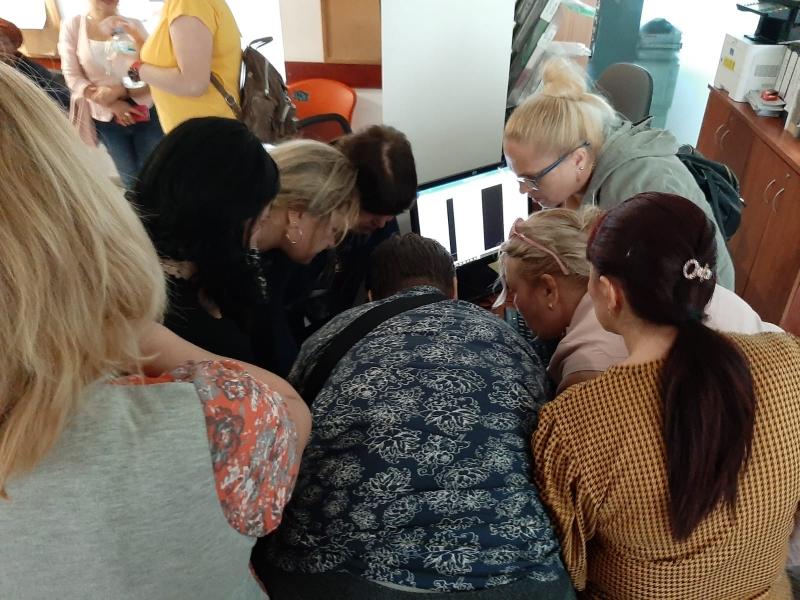 דרושות/ים מתנדבות ומתנדבים לקבלת קהל ברוסית ורומנית